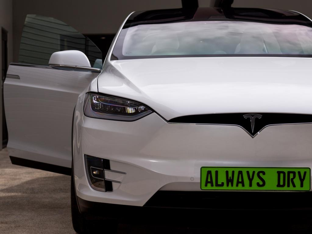 9H-LDC Pro & Vision Tech treated Tesla by Always Dry